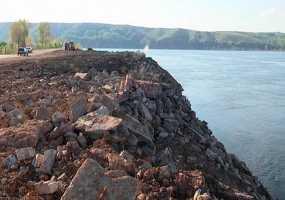 Почти миллиард рублей будет потрачено на укрепление дамбы в Нижнекамске