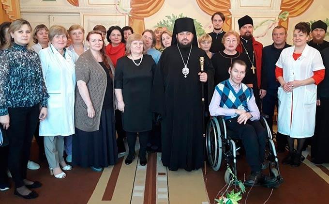 Епископ Игнатий встретился в Нижнекамске с подопечными реабилитационного центра «Надежда»