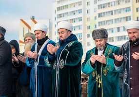 В Нижнекамске заложили камень под новую мечеть, которая обещает уникальной для Татарстана