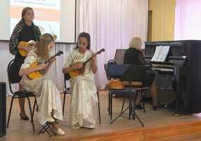 Юные мастера игры на народных инструментах из двух республик съехались в Нижнекамск