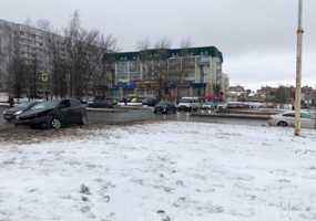 В Нижнекамске водитель проигнорировала сигнал светофора и влетела в дорогую иномарку