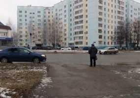 Пешеходам неудобно переходить дорогу на ул.Менделеева