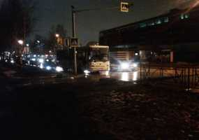 Опасный пешеходный переход рядом со строящимся торговым центром на ул.Сююмбике