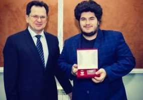 """Студент КФУ был награжден медалью """"За содействие донорскому движению"""""""