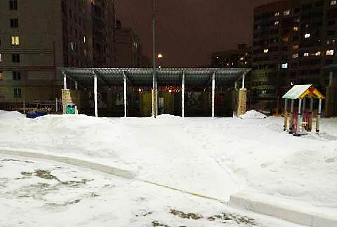 Нижнекамец возмутился просьбой убрать снег на веранде в детском саду