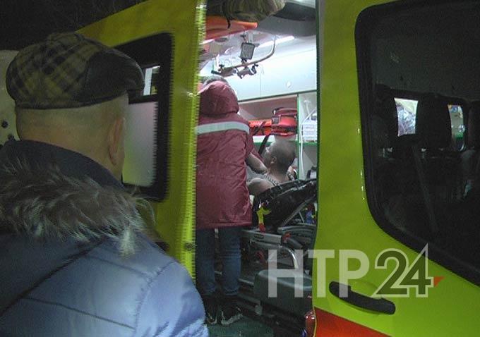 Пожарные с помощью автолестницы спасли новорожденную из горящей квартиры в Нижнекамске