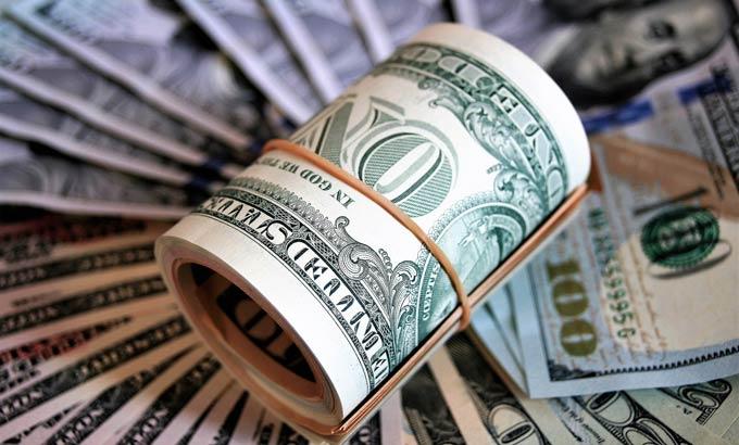 Эксперт: курс доллара достигнет 200 рублей