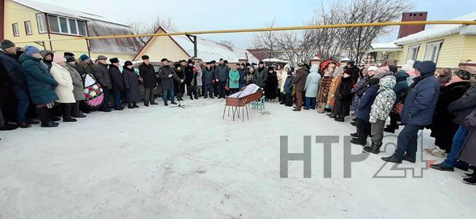 Нижнекамск простился с главой сельского поселения Николаем Бурмистровым