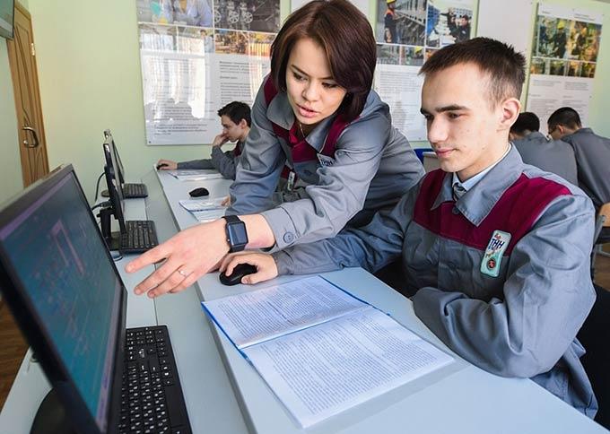 Айдар Метшин поздравил нижнекамских студентов с Татьяниным днем