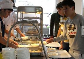 Школы республики готовы к обеспечению младших школьников горячим питанием
