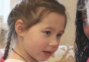 Нижнекамцы могут помочь излечится пятилетней девочке