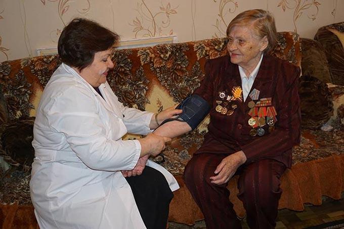 В Нижнекамске для ветеранов созданы выездные бригады врачей