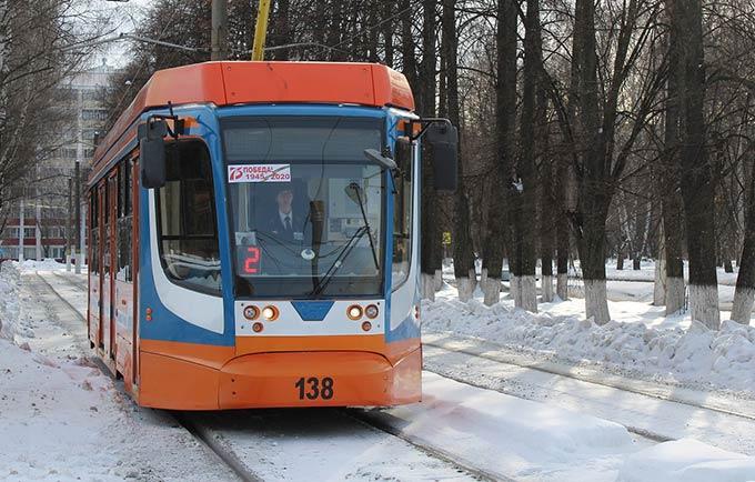 Нижнекамские трамваи украсили к весенним праздникам