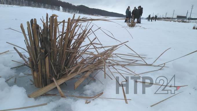 На озере Каракуль под Нижнекамском пробурили 200 лунок, чтобы спасти рыбу