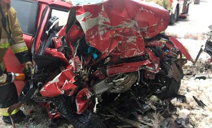 В страшной аварии в Удмуртии погибла многодетная семья