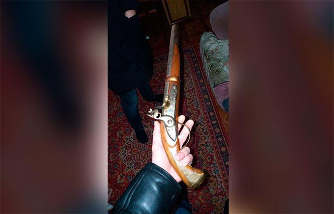 У нижнекамских пенсионеров нашли самодельные пистолеты