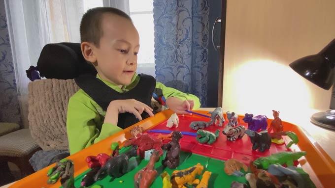 Страдающий страшным заболеванием ребенок из Татарстана мечтает побывать в Африке