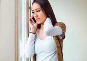 Чтобы вызвать врача ребенку, женщина звонила в поликлинику 327 раз