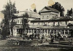 Фонтан, родник и дом Стахеевых: в Нижнекамске нашли уникальные старинные снимки