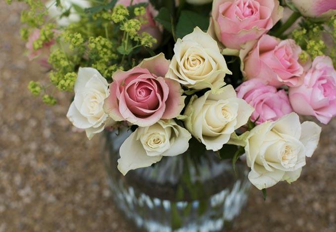Всего 20 граммов этой жидкости надолго сохранят свежесть цветов