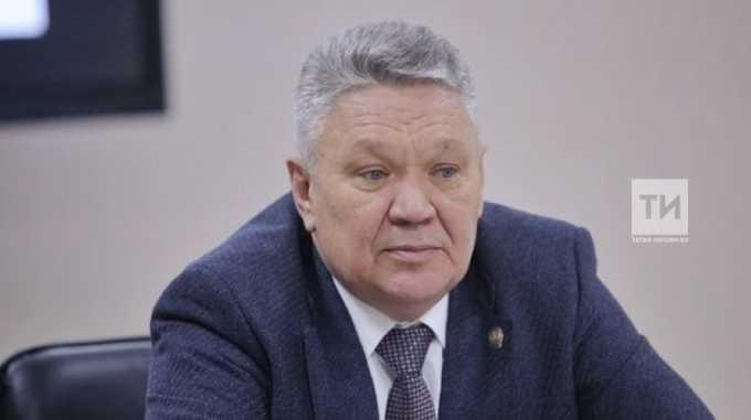 Министр образования Татарстана рекомендовал трудоустроить уволенного учителя технологии