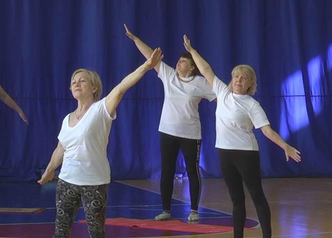 В Нижнекамске ветераны «химии» занимаются гимнастикой