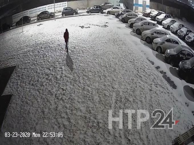 В Нижнекамске сбежавшего из дома подростка нашли по камерам видеонаблюдения