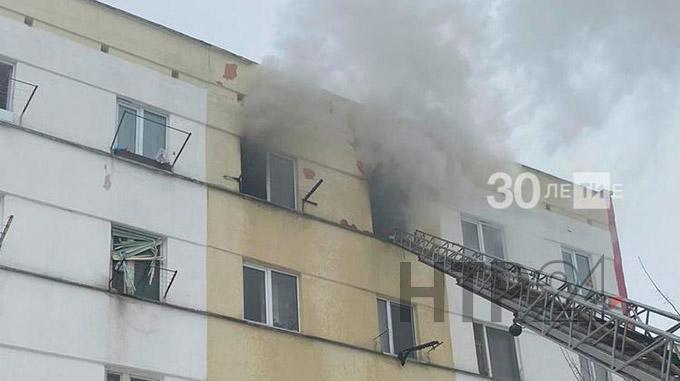В пожаре в своей квартире житель Елабуги получил ожоги 25% тела