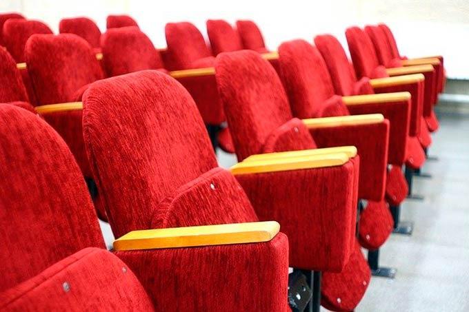 В Нижнекамске прекращают свою работу кинотеатры и фитнес-центры