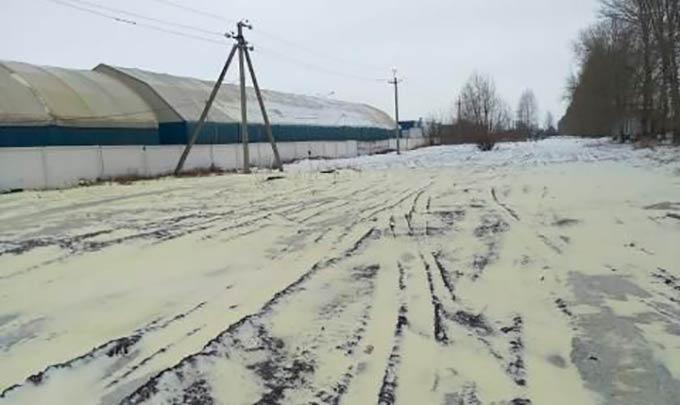 В Татарстане пожелтел снег