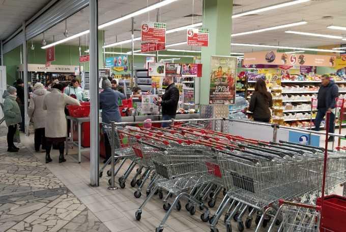 В Нижнекамске ввели специальные часы для посещения продуктовых магазинов пенсионерами