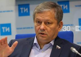 Марат Бариев прокомментировал поправки о защите суверенитета и территориальной целостности