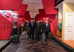 Президент и Госсоветник РТ посетили выставку в честь 10-летия Фонда возрождения памятников истории и культуры РТ