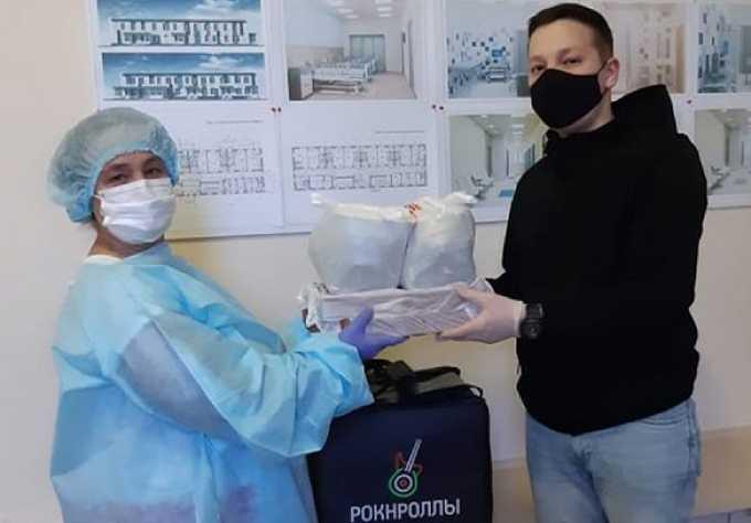 В Нижнекамске владелец кафе решил поддержать врачей горячими обедами