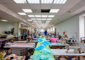 На Нижнекамской швейной фабрике наладили пошив масок