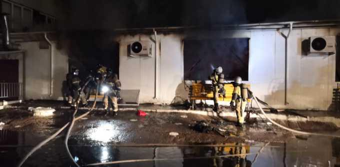 При пожаре на челнинской фабрике, спасая коллег, пострадал командир отделения пожарной части