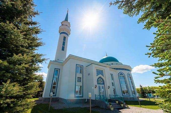 Айдар Метшин поздравил мусульман Нижнекамска с праздником